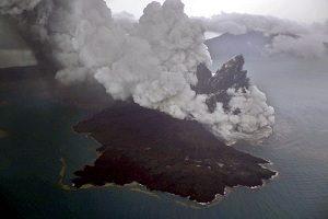 erupsi anak krakatau
